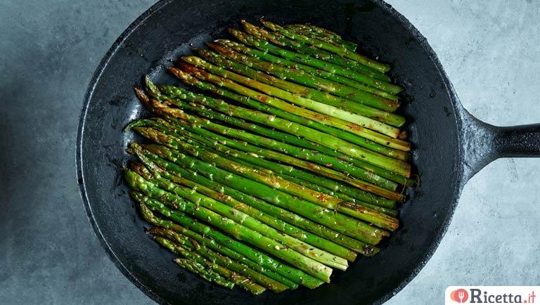 Ricetta Asparagi Verdi In Padella.Ricetta Asparagi In Padella Consigli E Ingredienti Ricetta It