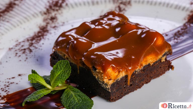 Brownies al cioccolato e caramello