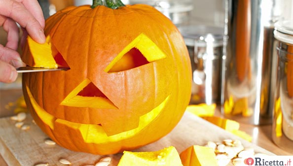 Come Fare Zucca Di Halloween.Costruire E Decorare Una Zucca Di Halloween Ricetta It