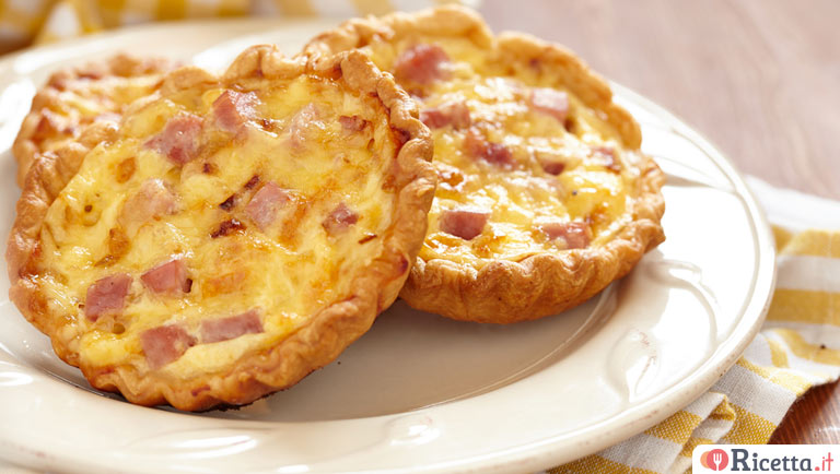 Mini quiches prosciutto e piselli