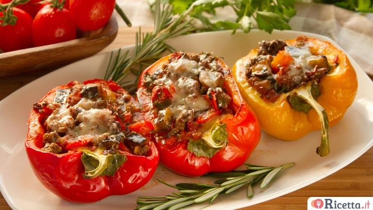 Ricetta peperoni ripieni di carne e salsiccia consigli e for Cucinare salsiccia