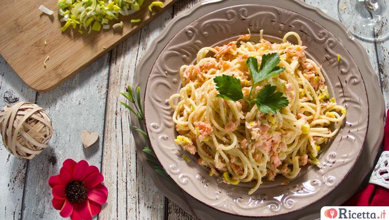Ricetta Salmone Porri.Ricetta Spaghetti Al Salmone Porri E Prezzemolo Consigli E Ingredienti Ricetta It