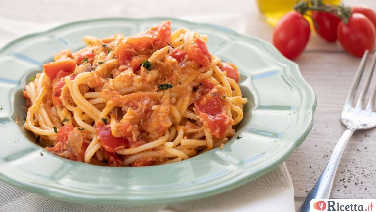 Spaghetti al sugo di sgombro e pomodorini Pachino