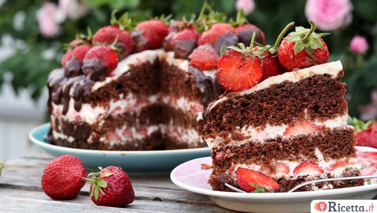 Ricetta Torta Al Cioccolato E Fragole.Ricetta Torta Panna Fragole E Cioccolato Consigli E Ingredienti Ricetta It