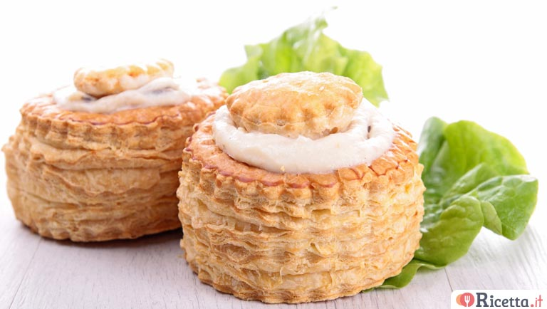 Vol au vent con mousse al prosciutto cotto